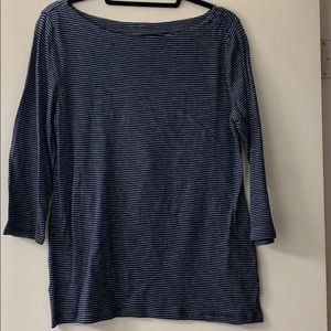 3/4 length tee with button detail